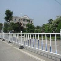 厂家定制广告牌京式道路护栏市政道路护栏网防撞隔离栏杆批发价格