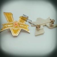 西服胸针定制、金属LOGO徽章、大众点评标致徽章生产厂